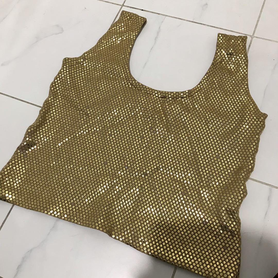 Gold sequin shiny cropped singlet top fits like a 10