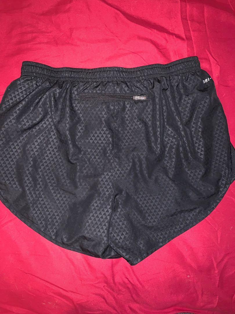 Nike shorts (SizeS)