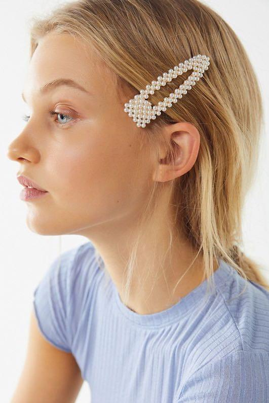 oversize pearl hairclip
