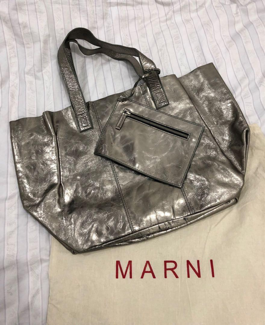 preloved - marni tote bag silver ori leather (32x50cm) comes with pouch and dustbag.