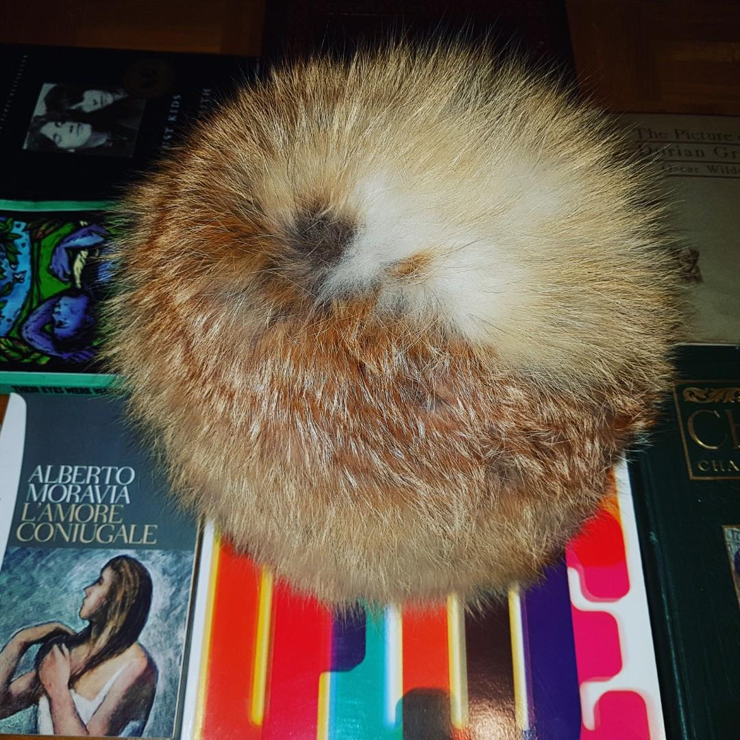Professionally Cleaned Vintage Fox Fur hat Circa 1970s (possibly 80s)