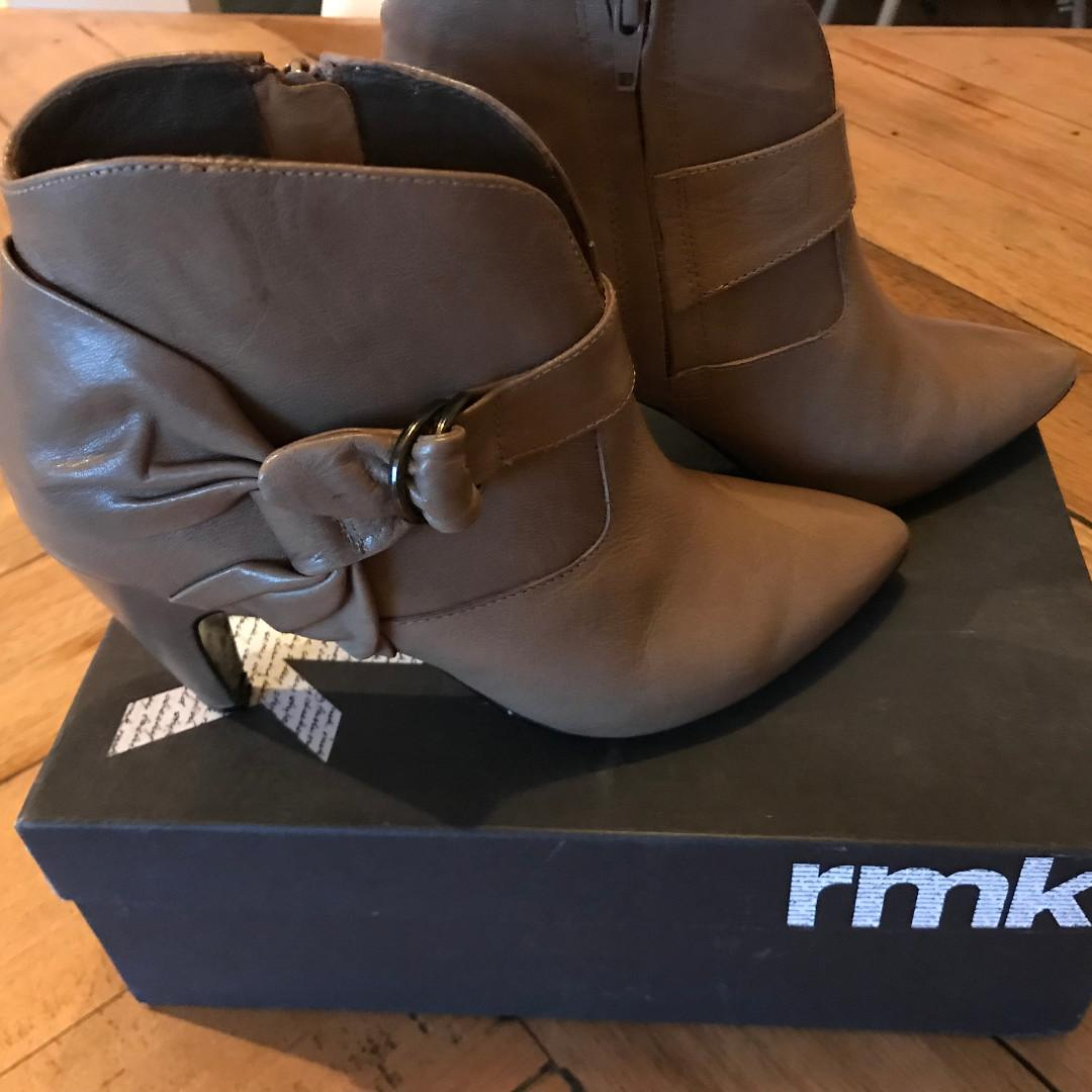 RMK Brown Camelia Leather Tie Heeled Ankle Boots Size 7 rpp$150