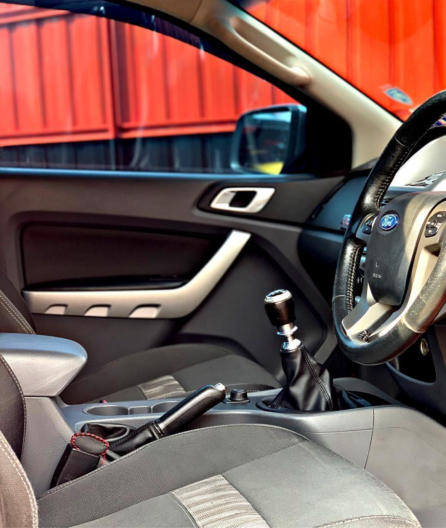 SEWA BELI>>FORD RANGER 3.2L XLT 4WD MANUAL 6 SPEED 2013