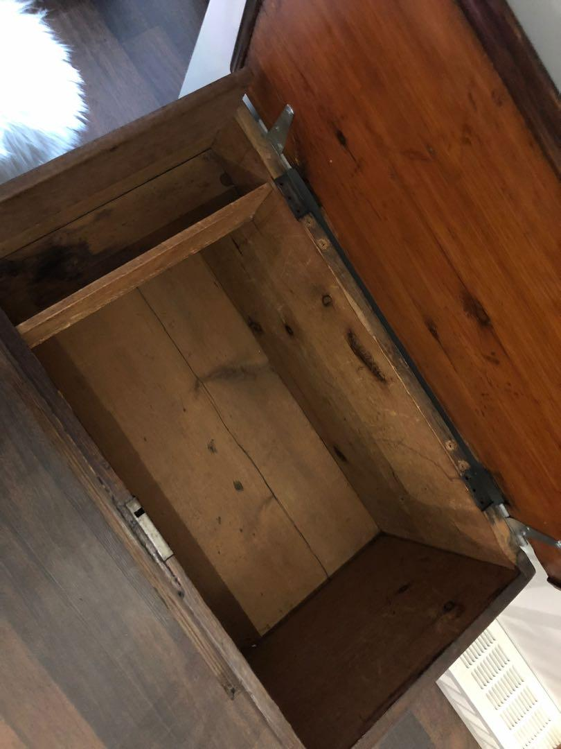 Wood chest/trunk and Monroe canvas