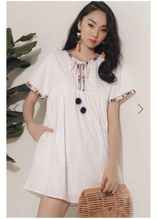 *BNWT* Fashmob Embroidery Pom Pom Dress in White