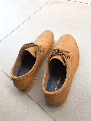 UniqTee Shoe