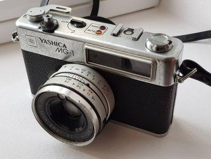 Vintage Yashica Camera (made in Japan)