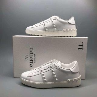 Valentino sneakers 全白 波鞋 (男)! Size 40, 41, 42!$2780!
