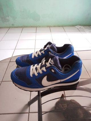 Nike MD Runner size 40