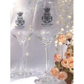 Wineglass with etched