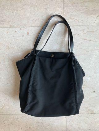 SIMONS Black Handbag with Pockets
