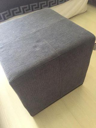 🚚 Fabric Ottoman with roller