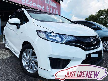Honda Jazz 1.5 Auto Year 2014‼️