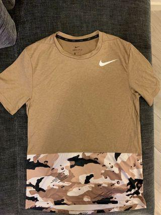 Nike Training Tee Size S