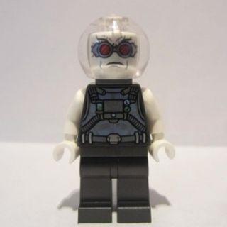 587 LEGO DC Super Heroes Batman 76118 Mr. Freeze, Pearl Dark Gray