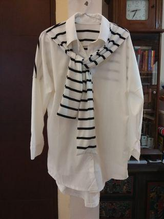 White stripe scarft loose blouse