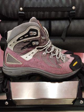 sepatu gunung bekas atau sepatu outdoor second asolo