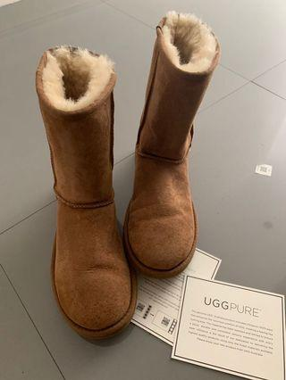 e553fd04be6 uggs   Women's Fashion   Carousell Philippines