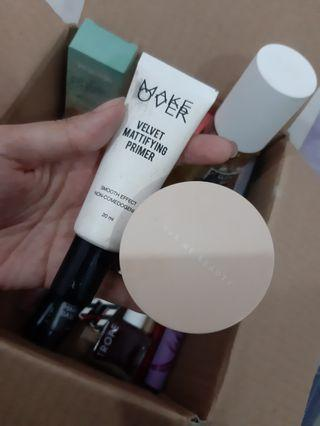 Set Make Over Primer + Dear Me Beauty Loose Powder
