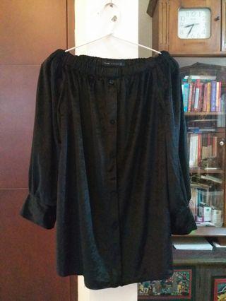 Black velvet sabrina Zara look alike blouse