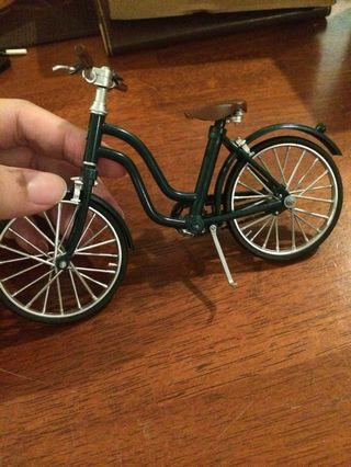 Toy bicycle