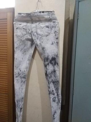 Celana Jeans uk XS setara no 24 model sobek