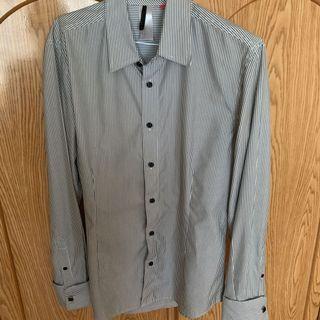 灰白直線襯衫