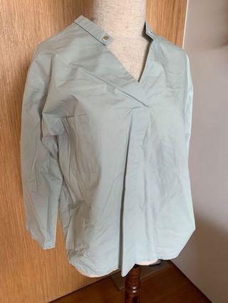 🚚 Mint blouse
