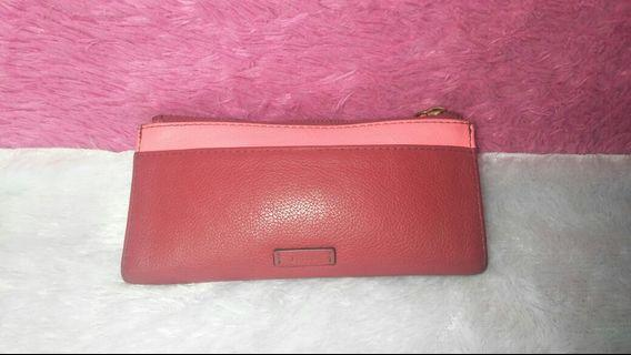 Dompet fossil red crimson
