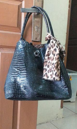 Tas Fashion Tote Croco Glossy