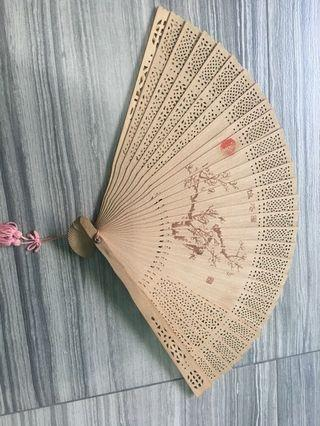Fan foldable