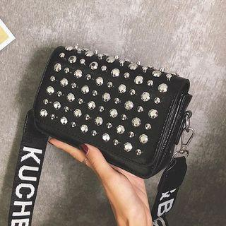 New small bag female 2019 new female bag tide fashion rivet shoulder bag retro broadband Messenger bag small square bag