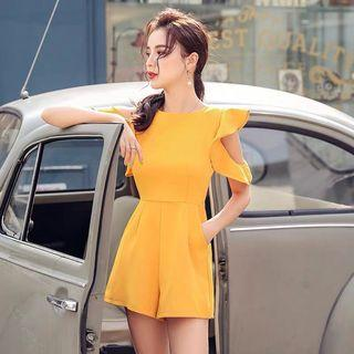 2019 new summer Korean version of the irregular ruffled sleeves off the shoulders of the ocean was thin casual wide leg Siamese shorts women