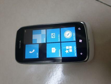 Nokia lumia 610 (Window phone)