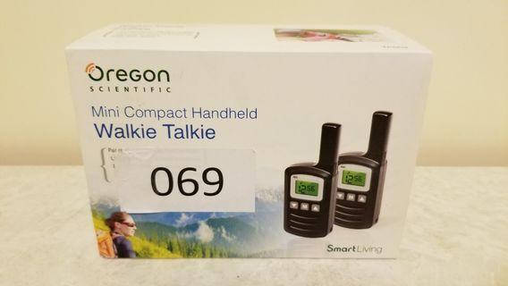 Oregon TP669 Walkie Talkie Mini Compact Handheld (正價$898)