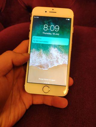 Gold iPhone 7 32GB (Phone only in good condition)