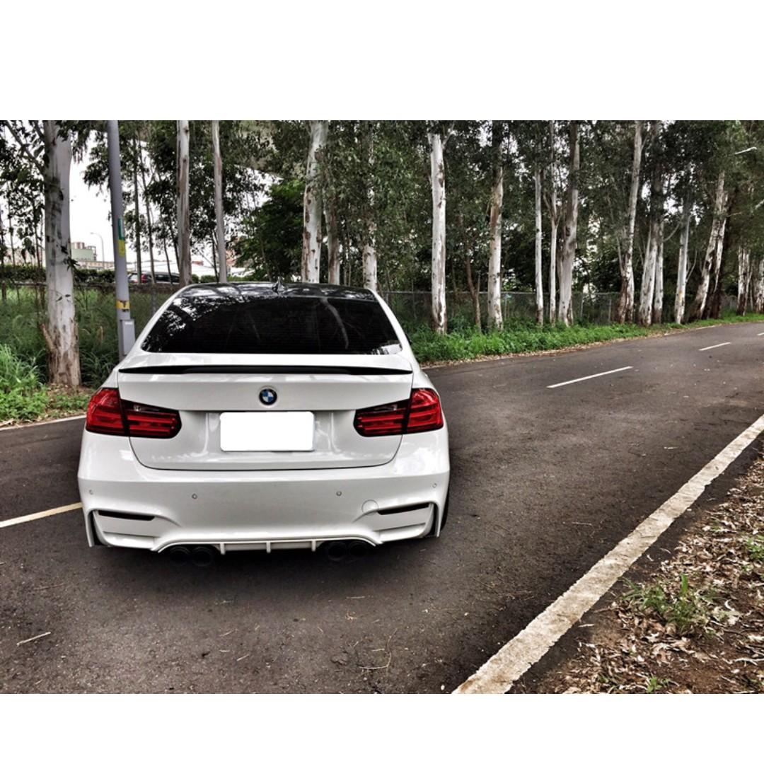 2012年 BMW 328 白色