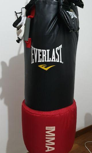 🚚 Everlast Punching Bag Fully Fill