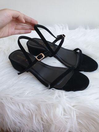 Brand new Astrid & Rose heels