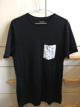 Zara白色口袋黑色純棉短袖T-shirt(男版M size)