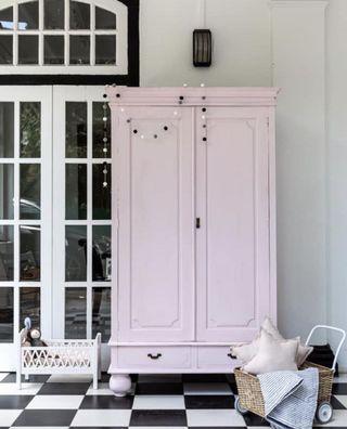 🚚 Wardrobe girls room decor cupboard shelf display