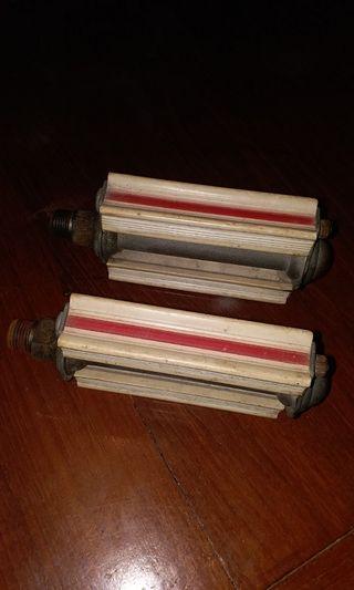 古董日本製造單車 腳踏, 奶白色 中間紅線