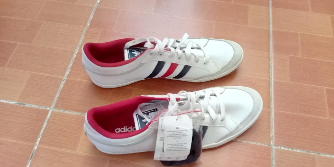 entusiasta torneo dulce  Adidas The 3 Stripes Die WeltMarke Not Den, Men's Fashion, Footwear,  Sneakers on Carousell