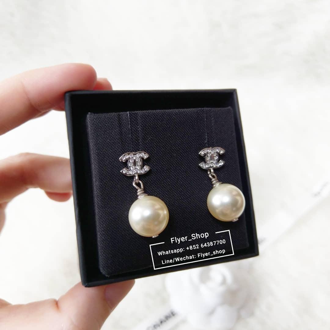 Chanel 經典mini CC吊珍珠耳環 Pearl drop earrings