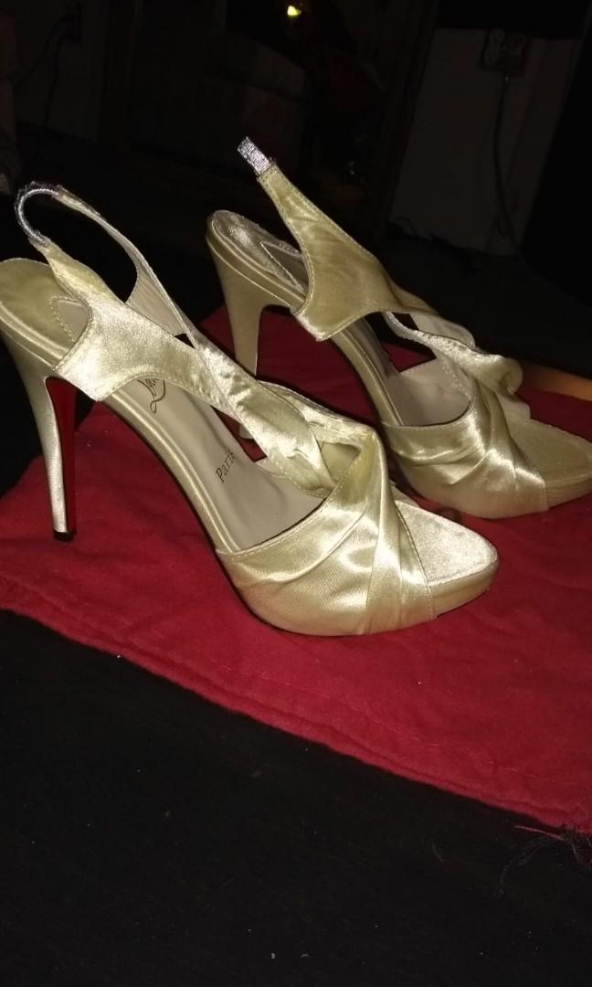 Christian Louboutin Paris, cream satin pour monsieur slingback heels