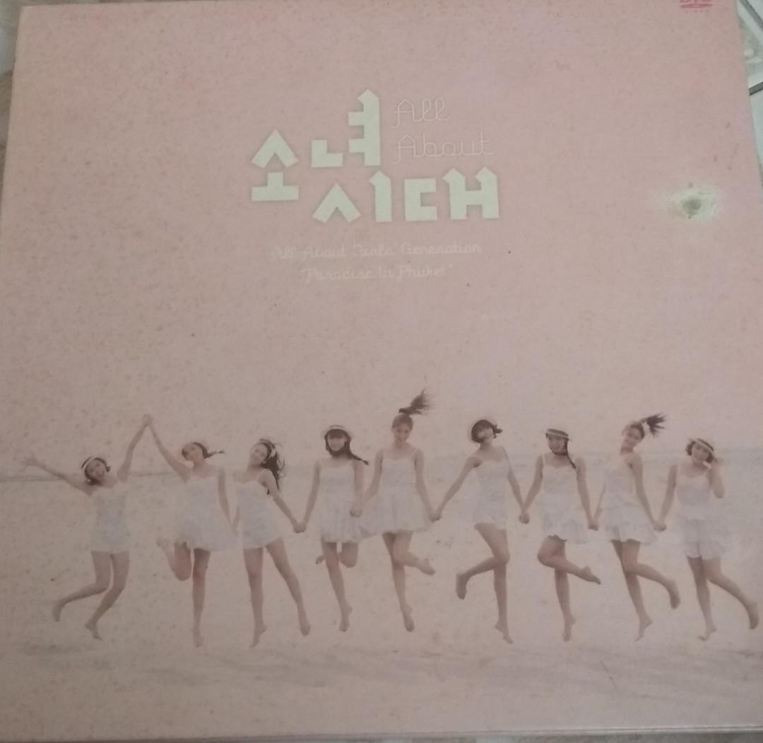 Girls' Generation All About Girls' Generation(AAGG) Photobook & DVD @ PHUKET