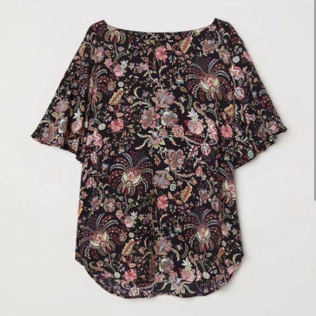 H&M Flower Print Flowy Sleeve Visose Blouse