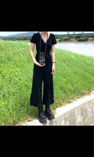 黑色連身衣