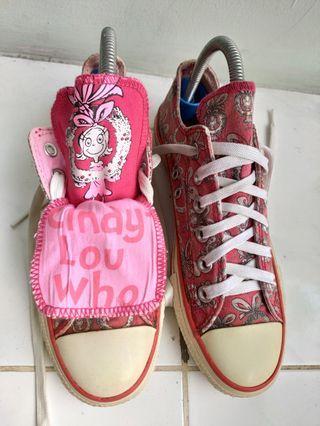 Sepatu converse low motif