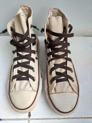 Sepatu Converse High motif